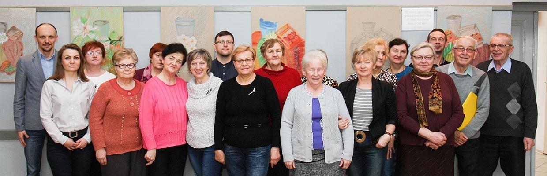 Grupa uczestników Uniwersytetu 3 wieku