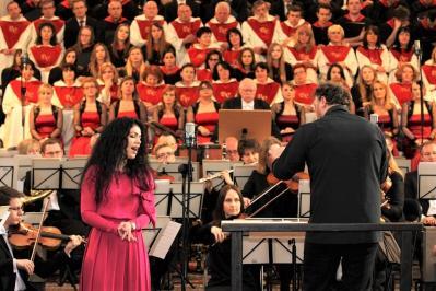Koncert symfoniczno-operowy w Garnku