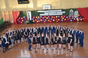 Uroczyste pożegnanie Absolwentów Szkoły Podstawowej i Gimnazjum w Kłomnicach